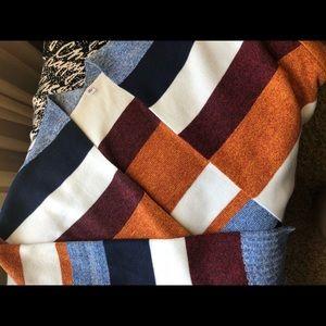 Sweaters - Knit sweater XL fits like a M